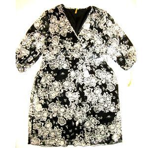 TEMPTED NEW Plus 24 3X Black White Wrap Dress